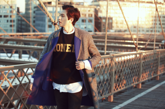 Jonghyun at Brooklyn Bridge
